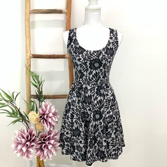 Dolce & Gabbana Dresses & Skirts - Dolce & Gabbana Cotton Lace Floral Print Dress